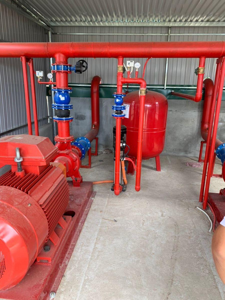 Các cơ sở phải lắp đặt hệ thống phòng cháy chữa cháy (PCCC) theo quy định của pháp luật
